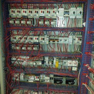 57dece03509e0_haut-armoire-decorticateur-avant